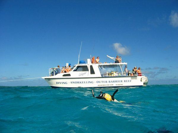 dive boat.jpg