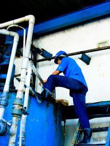 worker-225x300