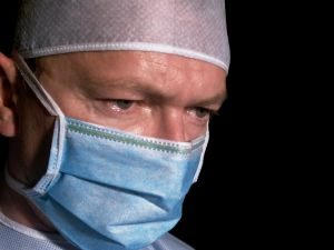 surgeon-3-391477-m-300x225